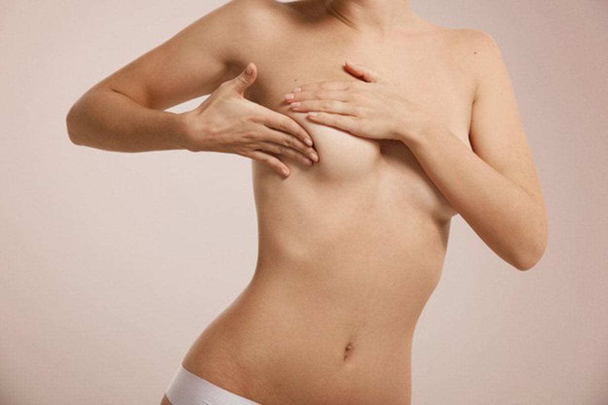 cistos-mamarios-na-menopausa.jpg
